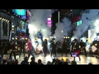Taylor Swift Performs At Time Square (New Year's Rockin Eve 13) (HD)
